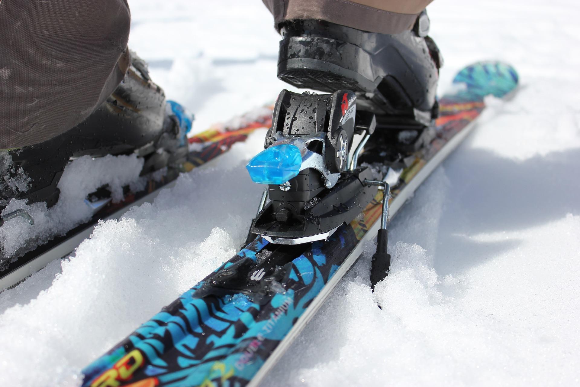 apprendre skier ses enfants le guide sport. Black Bedroom Furniture Sets. Home Design Ideas